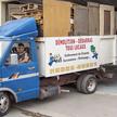 Un camion benne de débarras