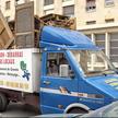 Un camion de débarras plein !